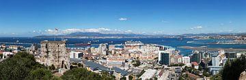 Panorama van Gibraltar met de baai van Alcezira en La Linea de la Conception van Frank Herrmann