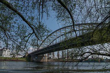 Nahaufnahme der John-Frost-Brücke über den Rhein bei Arnheim von Patrick Verhoef