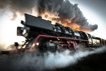 Stoomtrein in volle snelheid van Marcel Keurhorst
