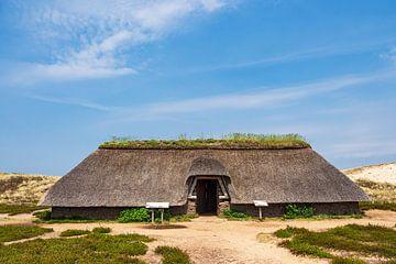 Maison de l'âge de fer dans les dunes près de Nebel sur l'île d'Amrum
