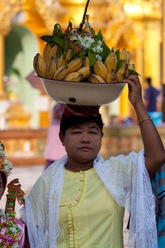 Banana lady van Carolien van den Brink