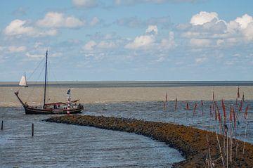 Boot aan de kust van Roel Van Cauwenberghe