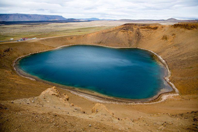 Kratermeer Krafla op IJsland van Menno Schaefer