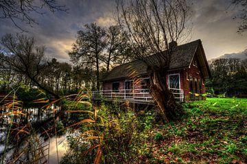 Huisje aan het water van Jaap Voets