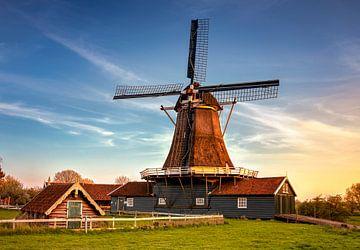 Bolwerksmolen bei Sonnenuntergang, Deventer, Niederlande von Adelheid Smitt