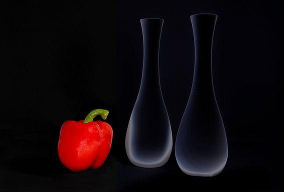 Rode paprika met vazen
