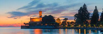 Panorama zonsondergang bij kasteel Montfort