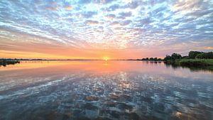 Spiegeltje Leekstermeer tijdens zonsopkomst