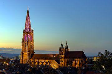 Verlichte Minster Tower Freiburg van Patrick Lohmüller