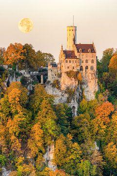 Schloss Lichtenstein im Herbst von Michael Valjak