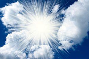 zonneschijn  door de wolken