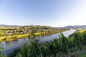 Landschapsfoto van de Moezel voor het wijndorp Brauneberg van Reiner Conrad