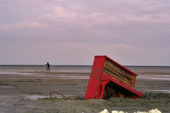Piano @ sea van  Ursula Cocheret de la Morinière