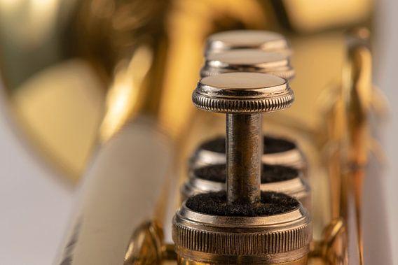 Muziekinstrument trompet in detail