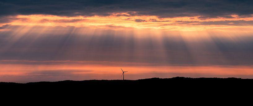 A lonesome windturbine, Uddevalla, Sweden. van Henk Meijer Photography