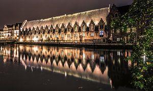 Gent bij nacht van Evert van Voorst