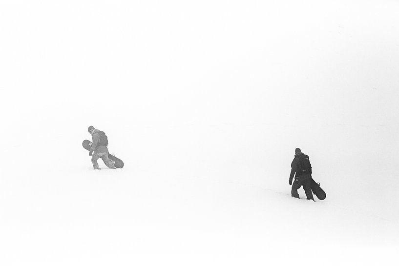 La recherche Cherchez la meilleure neige dans le brouillard humide du Vorarlberg. sur Hidde Hageman