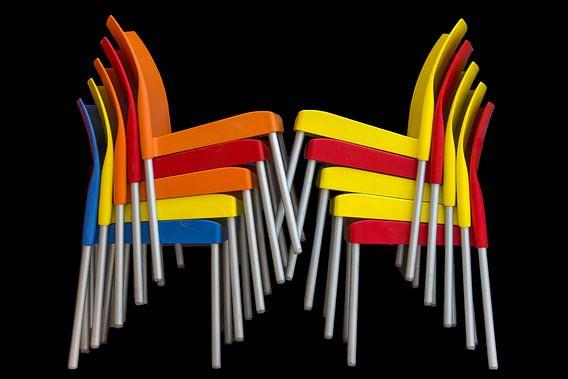 Gestapelde stoelen van Rinus Lasschuyt Fotografie