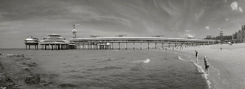 De Scheveningse Pier van Esther Seijmonsbergen