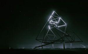 Moederschip Zeta - De beroemde tetraëderstructuur in Bottrop van Jakob Baranowski - Off World Jack