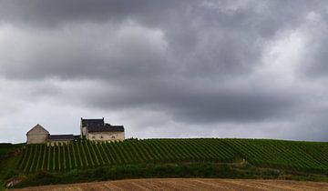 Apostelhoeve in de wolken - landschap van Maarten Honinx