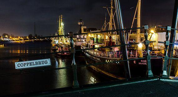 Buitenhaven van Maassluis bij nacht