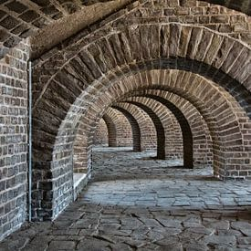 stenen bogen onder kasteel van Klaartje Majoor