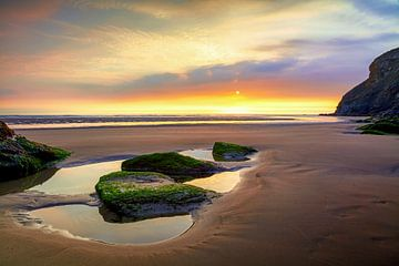 Ebbe am Strand von Mawgan Porth (Cornwall) von Silvio Schoisswohl