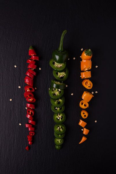 drie gekleurde pepers 1 van 2 van Anita Visschers