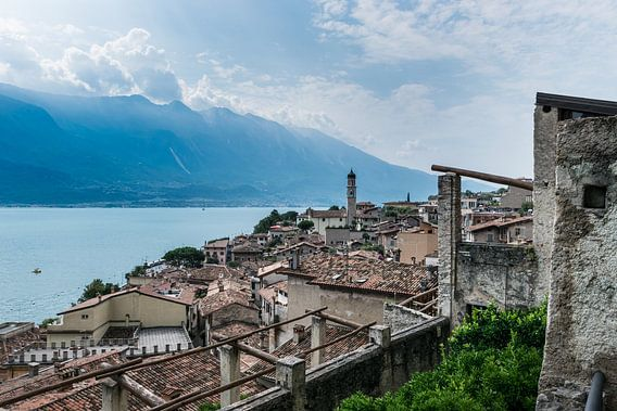 Panorama van Limone sul Garda, Gardameer van Patrick Verhoef