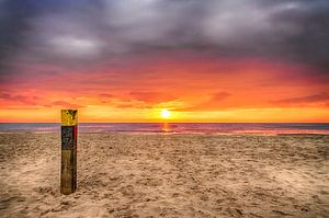 Zonsondergang op het strand van Texel 3 / Sunset on the beach of Texel 3