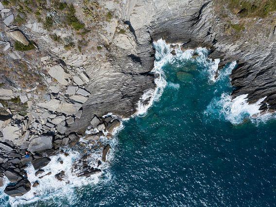 The cliffs of Cinque Terre van Droning Dutchman