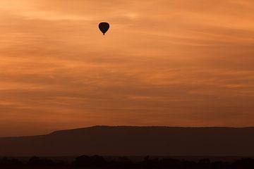 Hete luchtballon bij zonsopgang van Angelika Stern