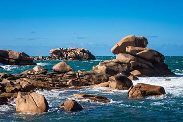 Atlantic ocean coast in Brittany near Ploumanac?h (France). van Rico Ködder