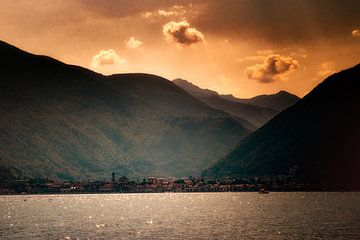 Zomerse tinten op het lago maggiore sur Peter van der Wal