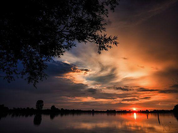 Colourfull sunset van Lex Schulte