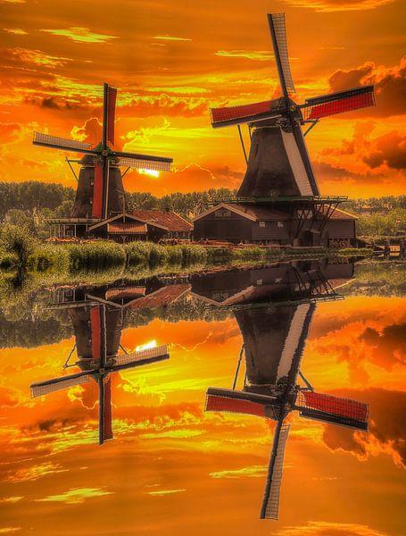 Water Reflection, Zaanse Schans, The Netherlands van Maarten Kost