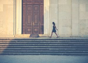 Wandelen langs de kerk van