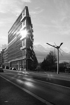 Driehoeken in de stad, Amsterdam zwart-wit von Lotte Klous