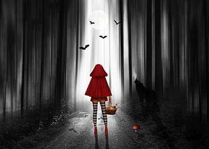 Rotkäppchen mit High Heels im dunklen Wald von
