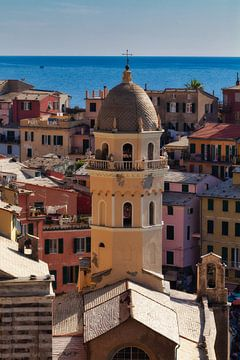 Kerk in Cinque Terre von Roy Poots