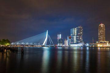 Rotterdam by night van Patrick de Vleeschauwer