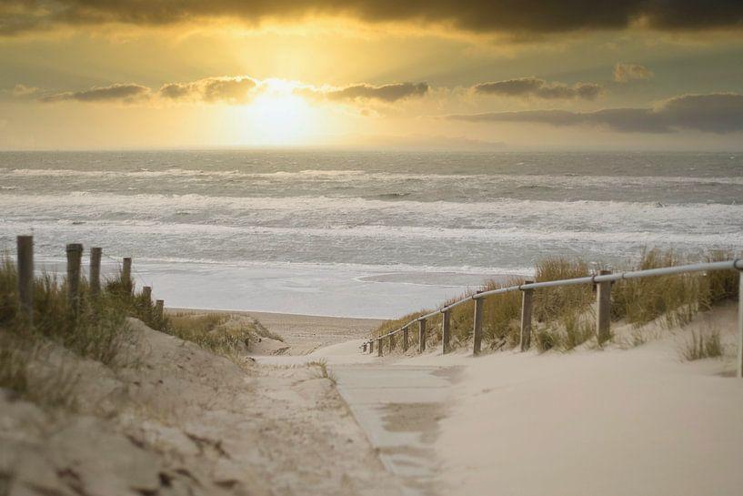 Een prachtige zonsondergang aan het strand van Wendy Tellier - Vastenhouw