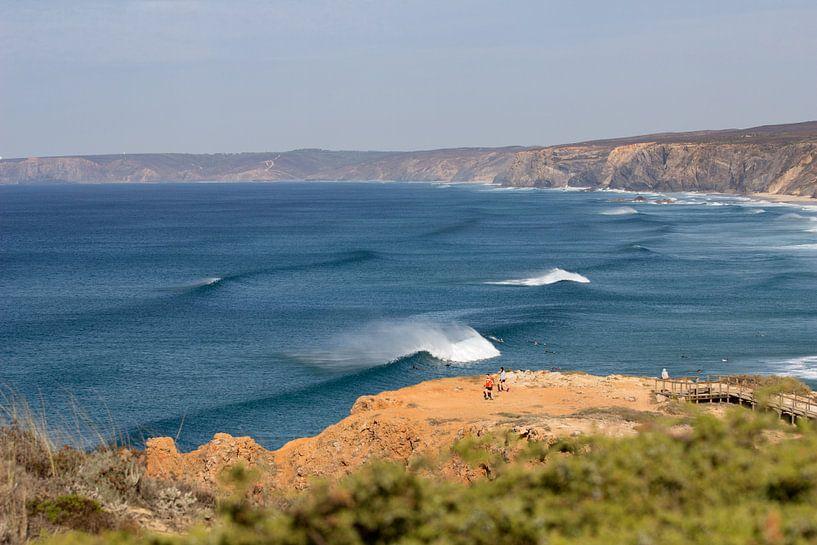 Breaking wave Bordeira sur Tomas Grootveld