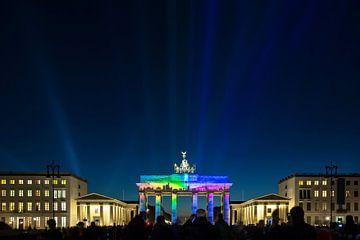 Berlin Skyline - Projektion auf das Brandenburger Tor von Frank Herrmann