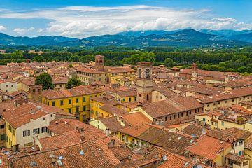 Lucca, Italië - Uitzicht vanaf Torre delle Ore - 1 van