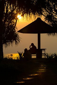 Sunset op Bali Indonesië  van Willem Vernes