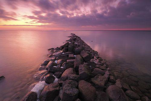 Zonsondergang aan het IJsselmeer van Wilco Berga