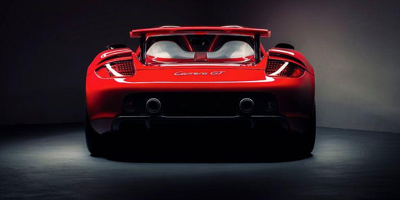 Rode Porsche Carrera GT van Ansho Bijlmakers