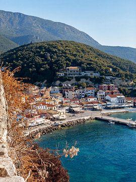 De haven van Parga, Griekenland van Liset Verberne